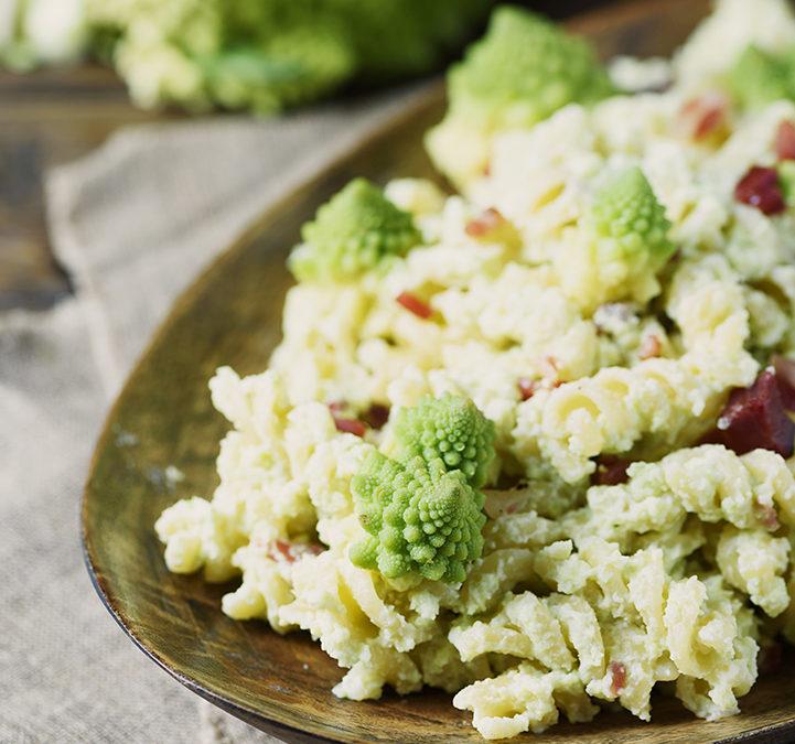 Pasta al broccolo romano, speck e ricotta