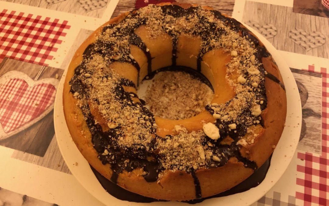 Torta autunnale di zucca, cioccolato fondente e croccante