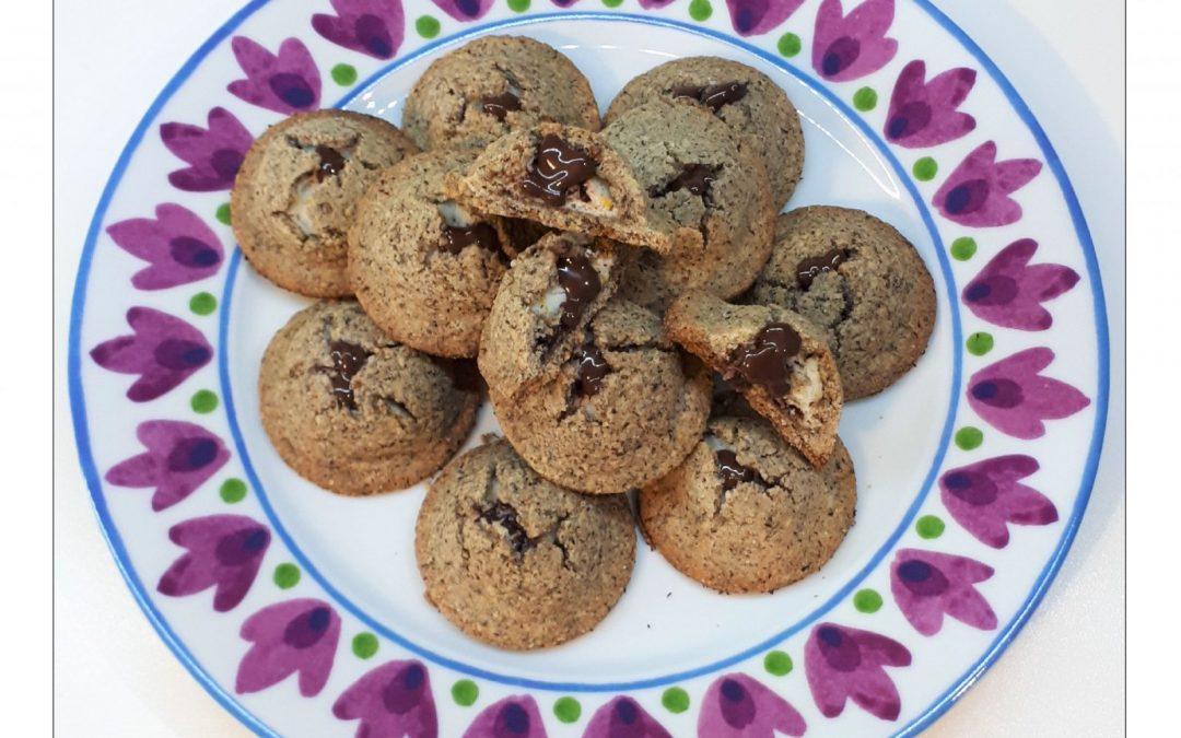 Biscotti al grano saraceno con ricotta, cioccolato e profumo d'arancia